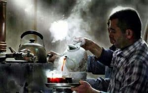 drinking-tea-iraq